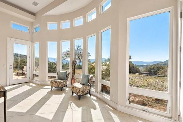 3968 Lorita Lane, Fallbrook, CA 92028 (#NDP2104075) :: Wannebo Real Estate Group