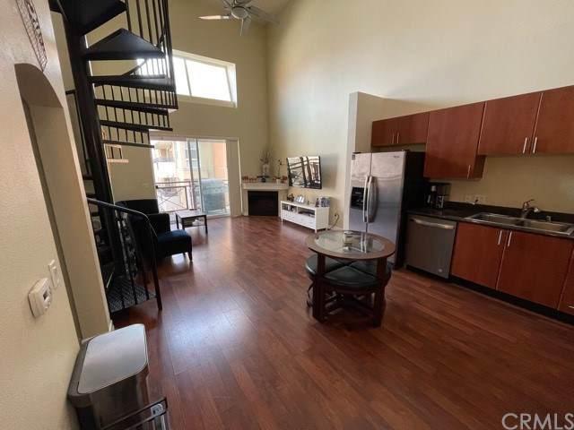 525 11th Avenue #1503, San Diego, CA 92101 (#OC21080437) :: Cay, Carly & Patrick | Keller Williams