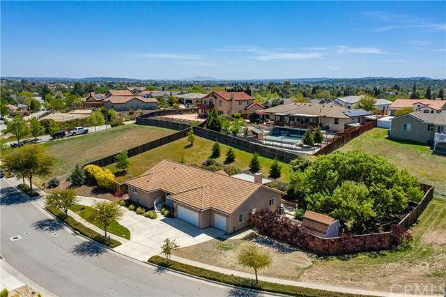676 Red Cloud Road, Paso Robles, CA 93446 (#NS21078014) :: The Legacy Real Estate Team