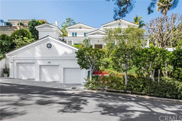 365 Norcroft Ave, Los Angeles, CA 90024 (#SB21022082) :: SD Luxe Group