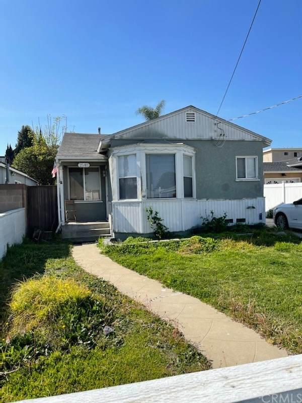 1540 W 216 Street, Torrance, CA 90501 (#PW20239033) :: COMPASS