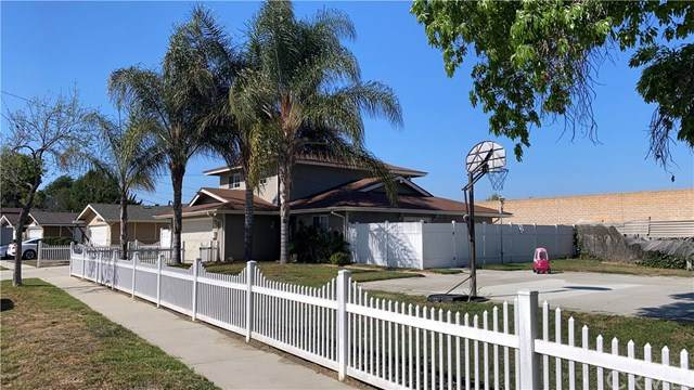 20534 Harvest Avenue, Lakewood, CA 90715 (#WS21085593) :: COMPASS