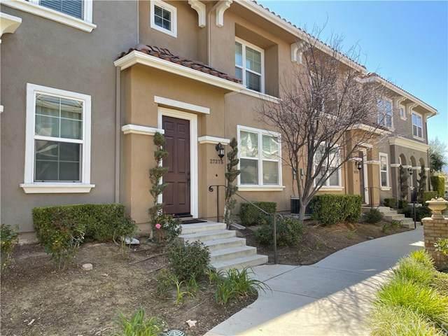 27275 Riverview Lane, Valencia, CA 91354 (#AR21085619) :: COMPASS