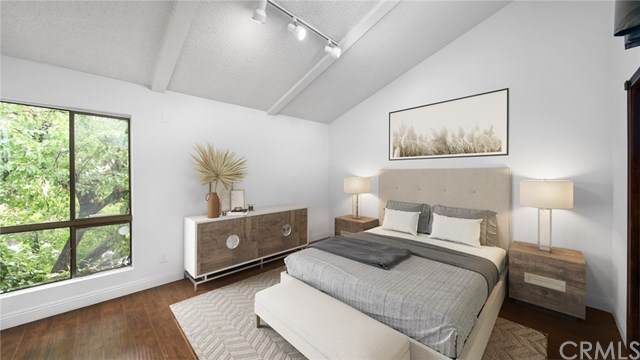 853 Larrabee Street #24, West Hollywood, CA 90069 (#SB21090873) :: The Legacy Real Estate Team