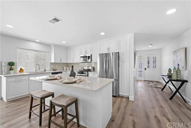 23682 Villena, Mission Viejo, CA 92692 (#OC21093720) :: Wannebo Real Estate Group