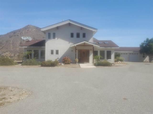 2670 Vista Del Rio, Fallbrook, CA 92028 (#NDP2104876) :: Yarbrough Group