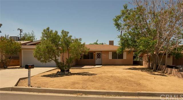 7606 Borrego, Yucca Valley, CA 92284 (#JT21094306) :: Wannebo Real Estate Group
