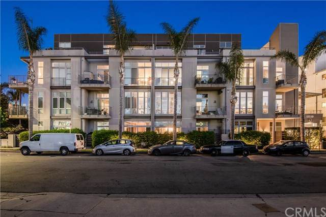 13320 Beach Avenue #404, Marina Del Rey, CA 90292 (#SB21084983) :: Wannebo Real Estate Group