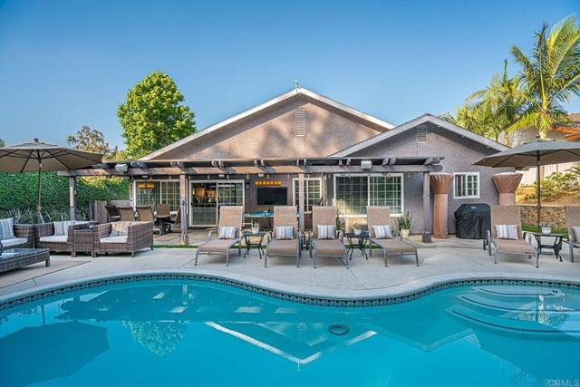 1779 Woodbine Place, Oceanside, CA 92054 (#NDP2104967) :: SD Luxe Group