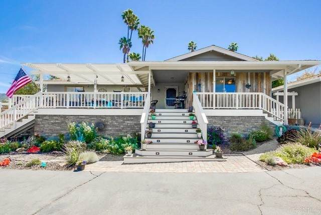 1775 Vale Terrace Dr, Vista, CA 92084 (#NDP2105017) :: Team Forss Realty Group