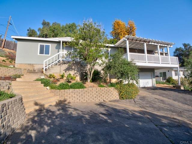 116 Howell Heights Drive, Escondido, CA 92025 (#NDP2105166) :: The Legacy Real Estate Team