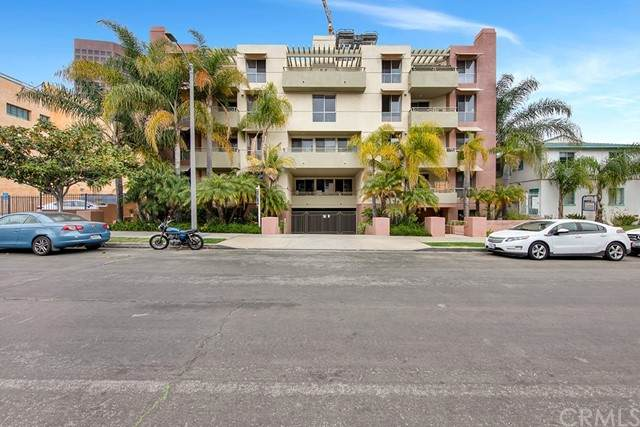 1222 S Westgate Avenue #205, Los Angeles, CA 90025 (#WS21099195) :: Compass