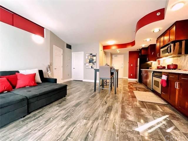 550 15th Street #601, San Diego, CA 92101 (#FR21103675) :: Dannecker & Associates