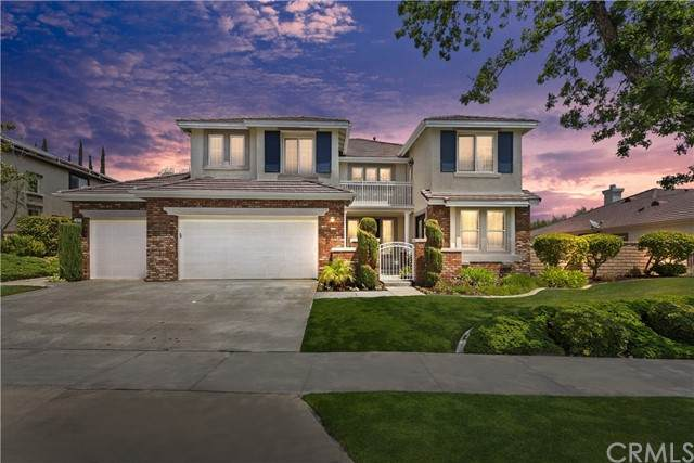1677 Fairway Drive, Corona, CA 92883 (#IG21104054) :: The Stein Group