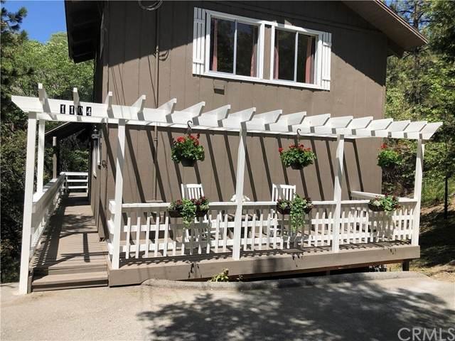 1104 Yukon Drive, Lake Arrowhead, CA 92352 (#OC21104515) :: The Stein Group