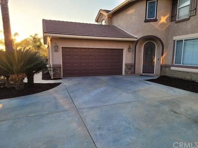 39914 Savanna Way, Murrieta, CA 92563 (#SW21104166) :: SunLux Real Estate