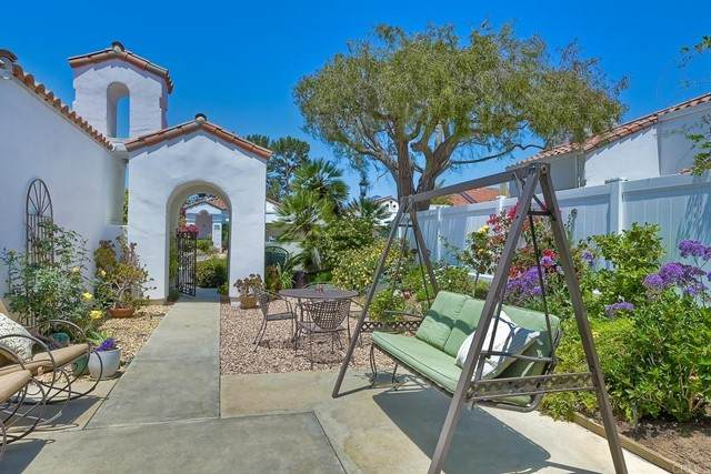 5027 Alicante Way, Oceanside, CA 92056 (#NDP2105390) :: SD Luxe Group