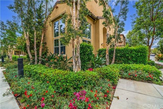 300 W Linden Drive, Orange, CA 92865 (#PW21105135) :: Keller Williams - Triolo Realty Group
