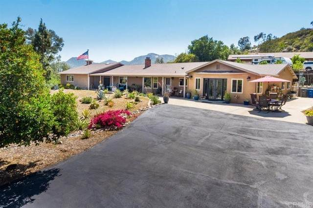 17555 Rancho De Oro Drive, Ramona, CA 92065 (#NDP2105662) :: SunLux Real Estate