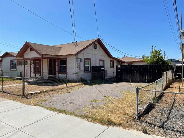 1103 E 18Th Street, National City, CA 91950 (#PTP2103612) :: The Stein Group
