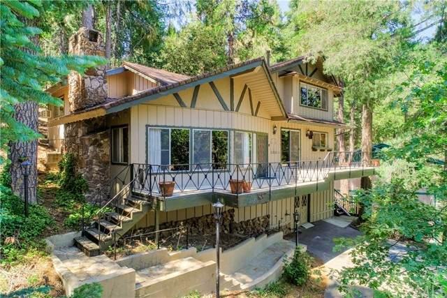 24611 Valle Drive, Crestline, CA 92325 (#EV21088368) :: PURE Real Estate Group