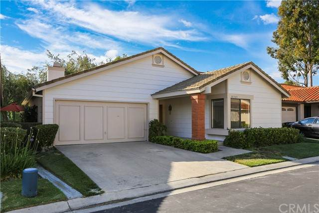 28385 Pacheco, Mission Viejo, CA 92692 (#OC21116553) :: Wannebo Real Estate Group