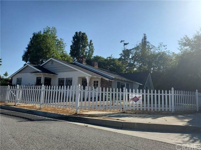2620 San Pasqual Street, Pasadena, CA 91107 (#AR21121375) :: Solis Team Real Estate