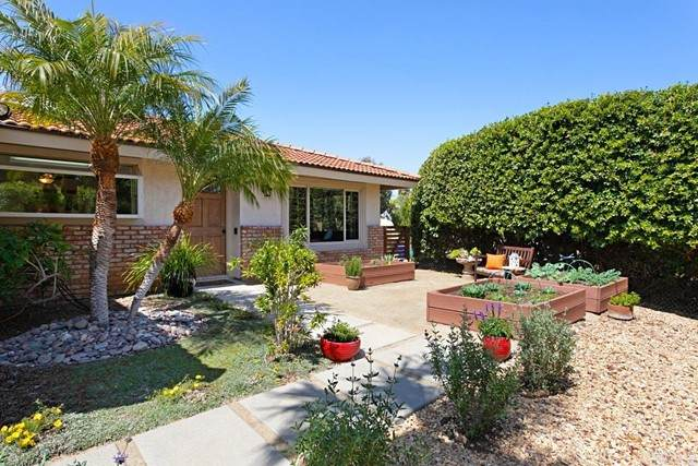 1613 Downs Street, Oceanside, CA 92054 (#NDP2106456) :: The Stein Group