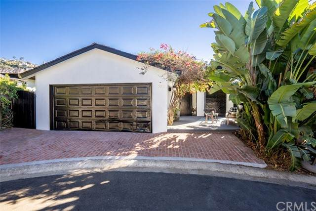 990 Meadowlark Drive, Laguna Beach, CA 92651 (#LG21124338) :: PURE Real Estate Group