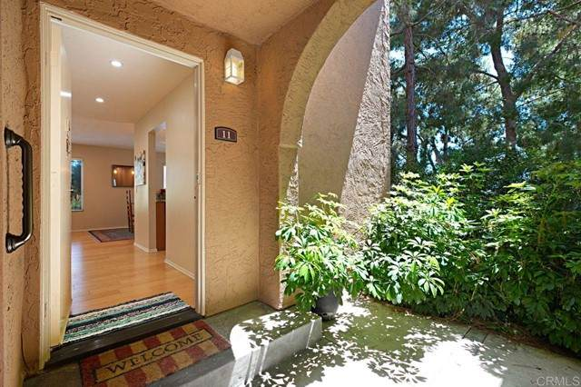 930 Via Mil Cumbres #11, Solana Beach, CA 92075 (#NDP2106612) :: Zember Realty Group
