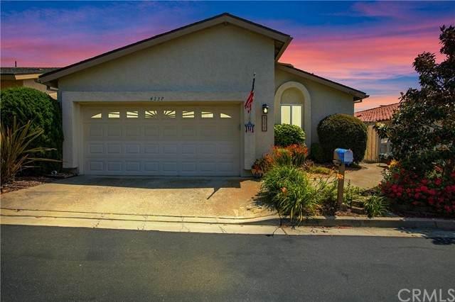 4237 Moonlight Lane, Oceanside, CA 92056 (#OC21127667) :: Carrie Filla & Associates