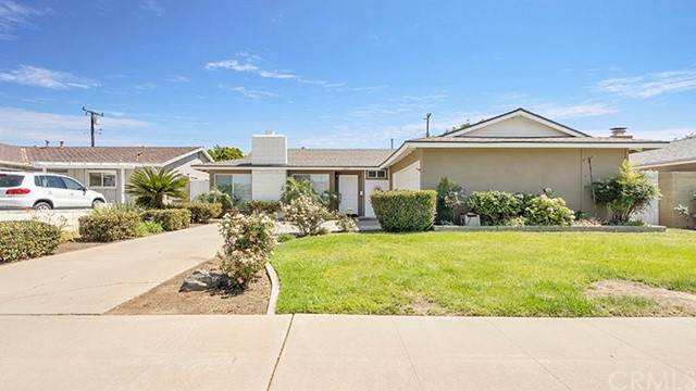 2210 E Coolidge Avenue, Orange, CA 92867 (#OC21128199) :: The Stein Group