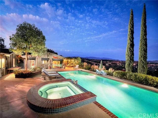 1753 Carriage Lane, Fallbrook, CA 92028 (#ND21124849) :: Solis Team Real Estate