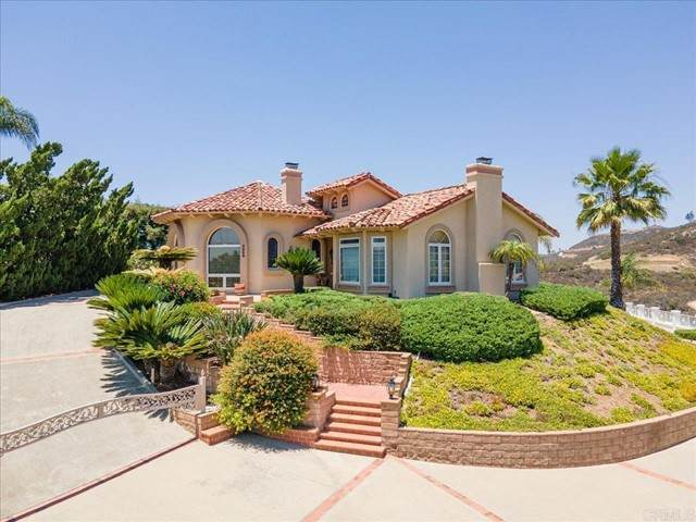 3056 Palm Hill Drive, Vista, CA 92084 (#NDP2107067) :: Team Forss Realty Group