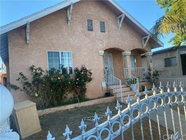 653 E 51st Street, Los Angeles, CA 90011 (#IN21133303) :: Compass