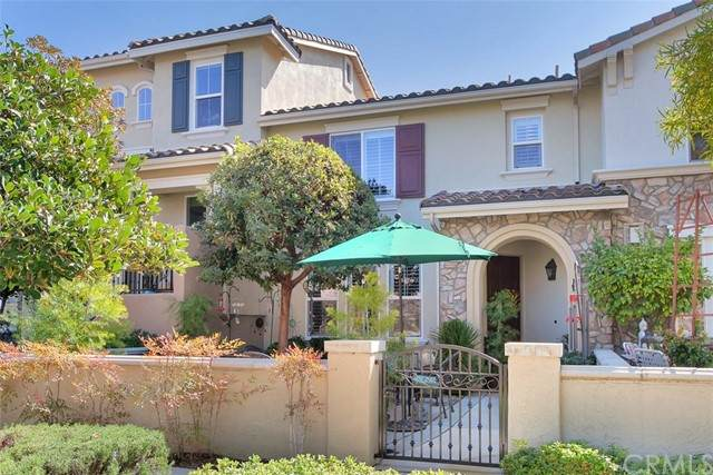 40319 Rosewell Court, Temecula, CA 92591 (#SW21136141) :: Compass