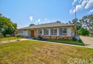 5760 Magnolia Avenue, Rialto, CA 92377 (#DW21137132) :: SD Luxe Group
