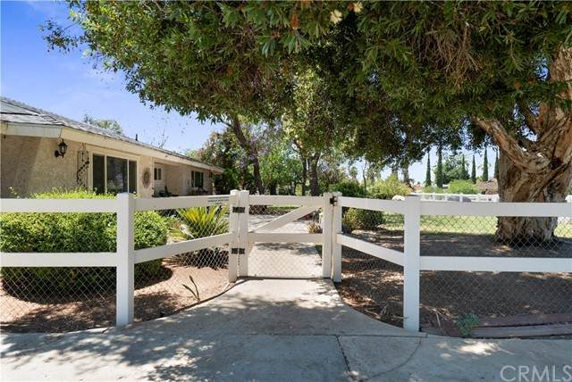 18921 Roberts Road, Riverside, CA 92508 (#IV21138834) :: Solis Team Real Estate