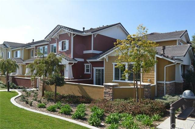15817 Cortland Avenue, Chino, CA 91708 (#TR21141944) :: Compass