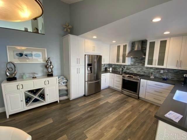 911 Caminito Estrada B, Carlsbad, CA 92011 (#NDP2107602) :: Rubino Real Estate