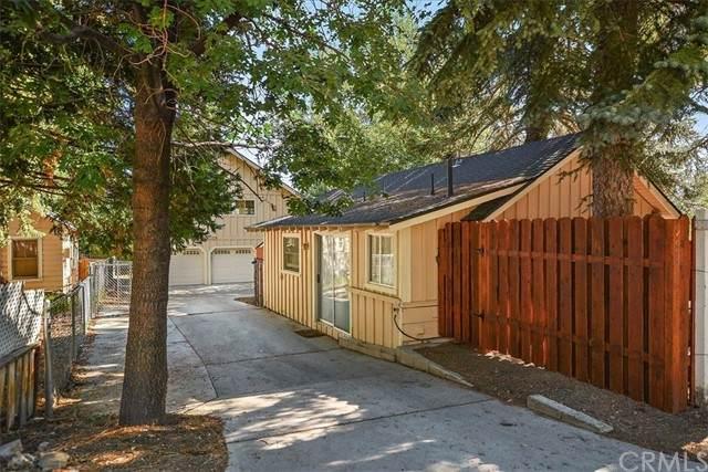 993 Cameron Drive, Big Bear, CA 92315 (#EV21151164) :: Solis Team Real Estate