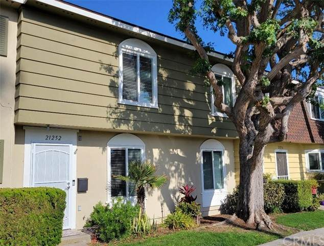 21252 Burlington Lane, Huntington Beach, CA 92646 (#OC21151205) :: Compass