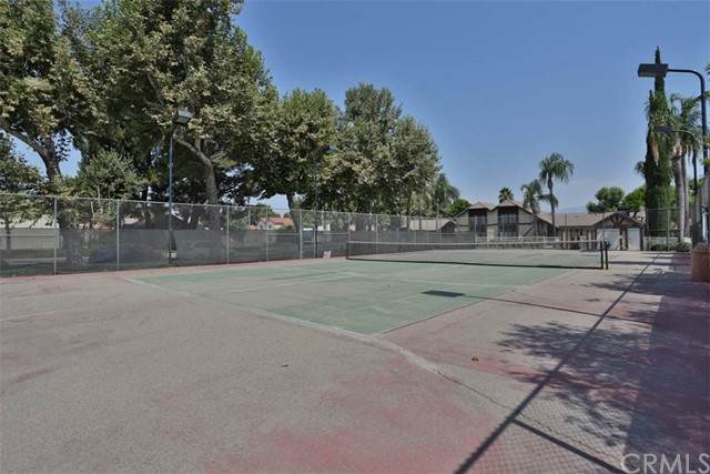 10861 Mountain View Avenue, Loma Linda, CA 92354 (#IV21154437) :: SD Luxe Group