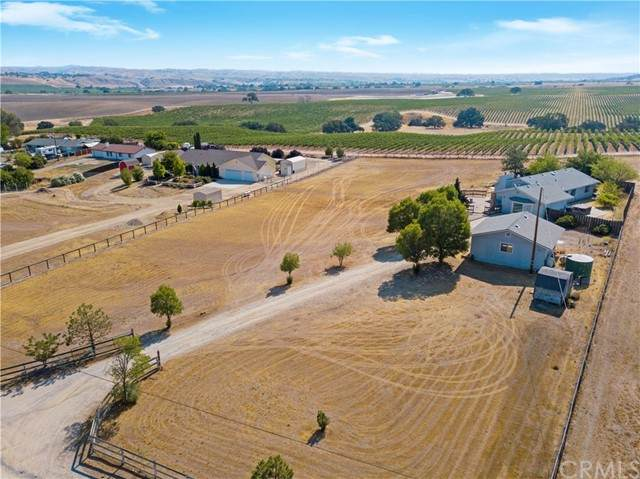 5390 Farousse Way, Paso Robles, CA 93446 (#NS21158987) :: SD Luxe Group