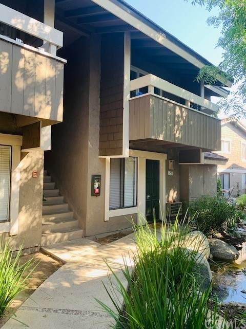 257 Streamwood, Irvine, CA 92620 (#PW21160208) :: Compass