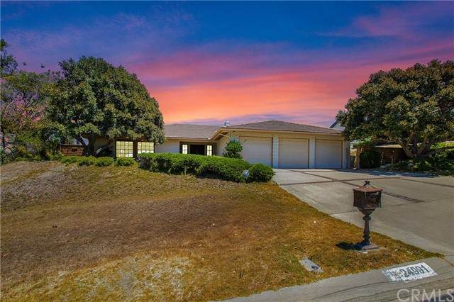 24991 Nellie Gail Road, Laguna Hills, CA 92653 (#OC21158611) :: Compass