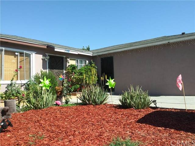 2358 E El Segundo Boulevard, Compton, CA 90222 (#RS21160509) :: SD Luxe Group