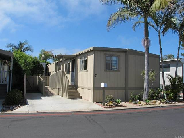 699 N Vulcan #7, Encinitas, CA 92024 (#NDP2108576) :: Solis Team Real Estate