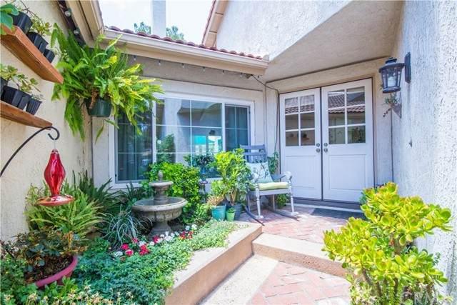 7 Windy Hill Lane #77, Laguna Hills, CA 92653 (#OC21158706) :: Compass