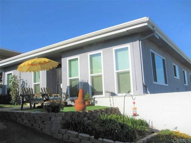 3747 Vista Campana S. #59, Oceanside, CA 92057 (#NDP2108607) :: Keller Williams - Triolo Realty Group